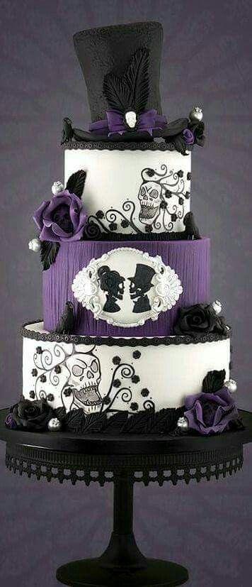 Pin Von Missy13048 Auf Abgefahrene Torten Gothic Kuchen Lila Hochzeitstorten Schwarze Hochzeitstorten