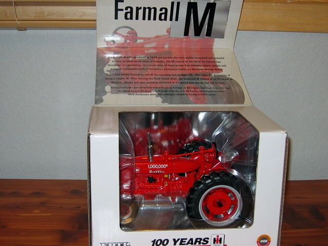 Details about Ertl IH Farmall M 1/16 100th Anniversary CE