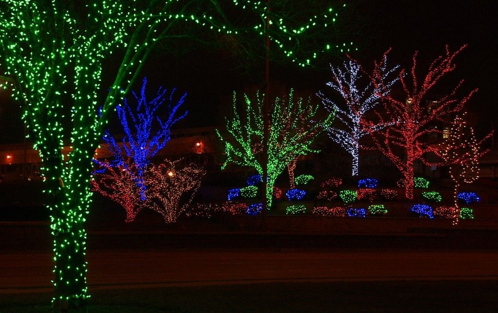 The Christmas Holidays Are Upon Us And If You Re Looking For Christmas Lights That Will Take Christmas Light Displays Christmas Lights Outdoor Christmas Lights