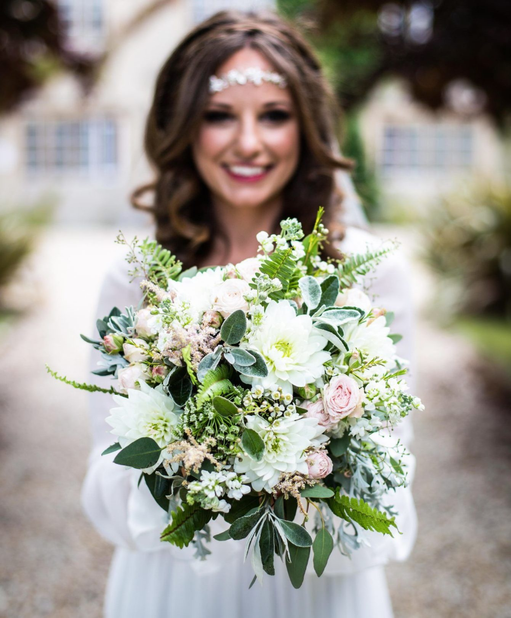 5 Wedding Flower Trends For 2020 Wedding Flower Guide Wedding
