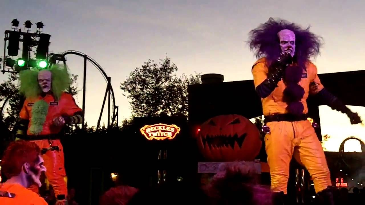 Six Flags Magic Mountain Fright Fest Heckles And Twitch Show Opening Six Flags Opening Ceremony Ceremony