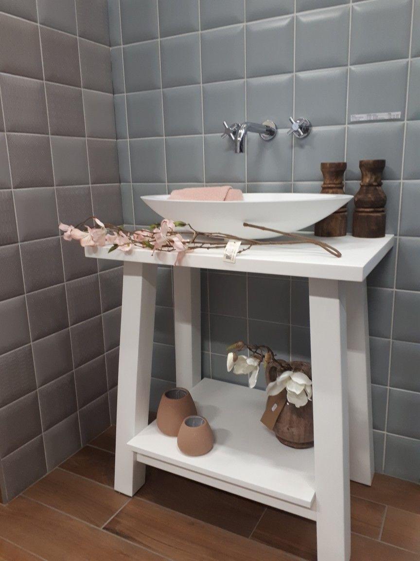 Prachtige wastafel met wandkraan! | Badkamer | Pinterest - Wastafel ...