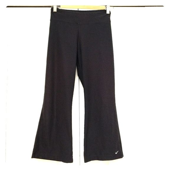 NIKE CAPRIS. TOTAL STEAL FOR TODAY - WEDNESDAY Just GREAT.-If you know Nike you know they are  Nike Pants Capris