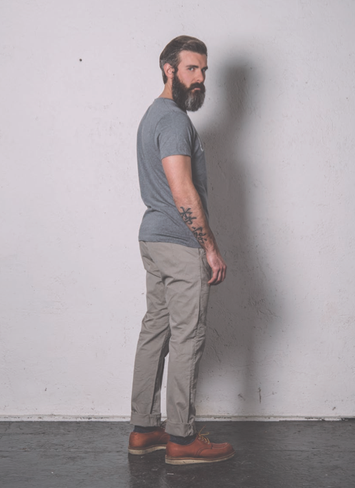 • BASED ON A TRUE STORY • THE SS14 COLLECTION Pant. Cod. CHARLIE M0057.450.XX / CHINO SLIM STRETCH www.uniformjeans.it/