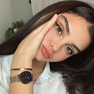 """Evonwahab on Instagram: """"Happy Friday everyone ❤️ In case you're still looking for the perfect Christmas, look no further than @danielwellington Right now you get a…"""""""