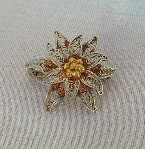 Russian Sterling Vermeil Small Filigree Multi-Layer Flower Pin Vintage Jewelry