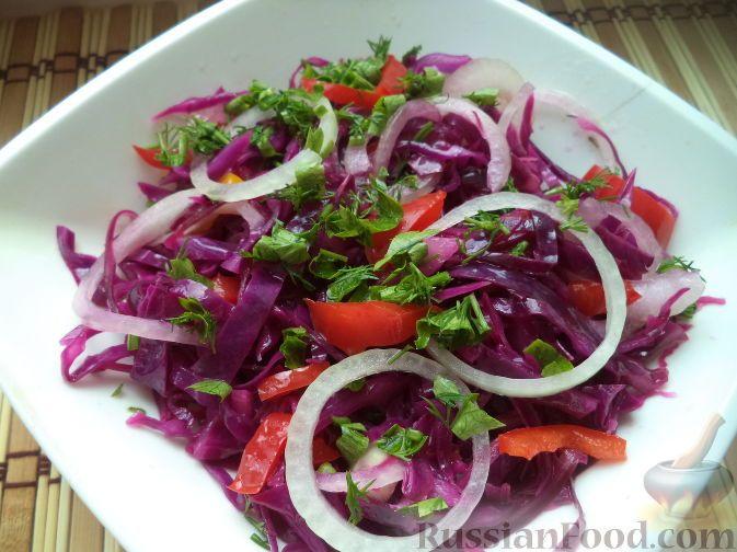 Фото приготовления рецепта: Салат из краснокачанной капусты - шаг №8