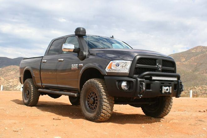 Ready for it all  DODGE RAM 2500 Equipped with a snorkel
