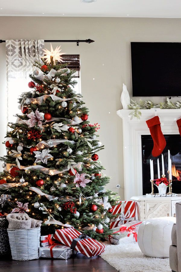 53 wonderfully modern christmas decorated living rooms christmas tree themes colors red christmas tree red