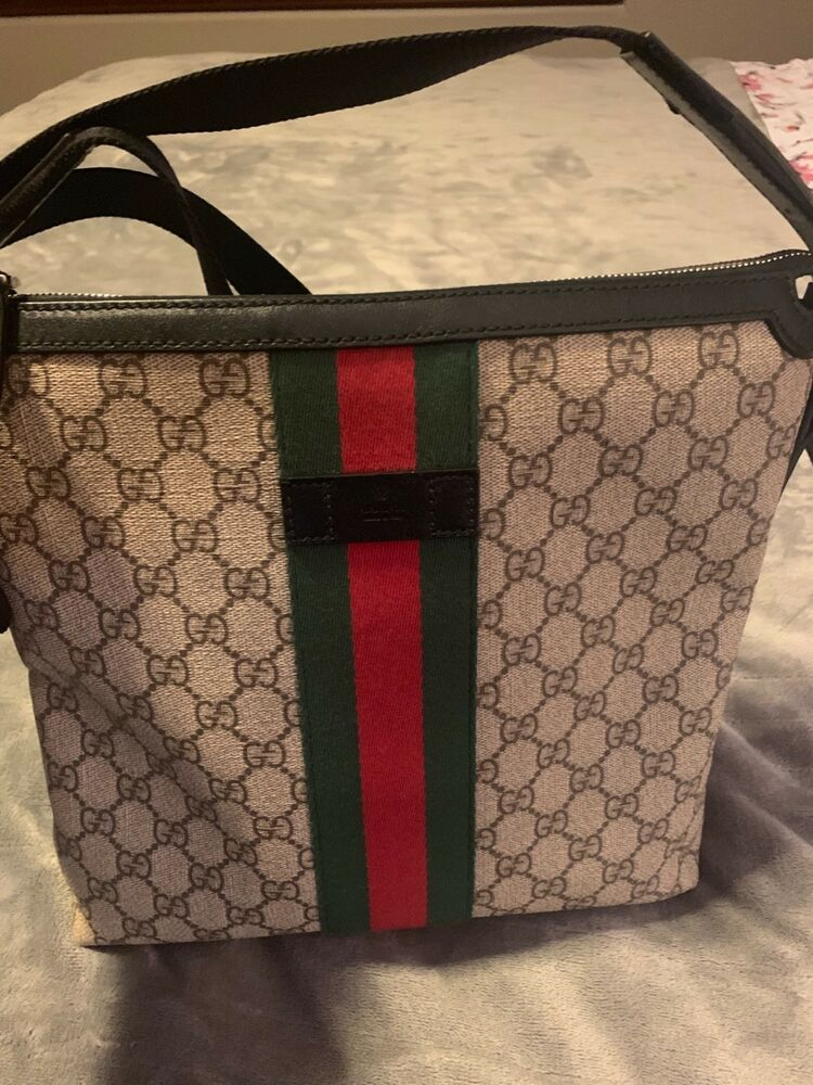 cf74719af35 GUCCI MENS WEB GG SUPREME MESSENGER BAG  fashion  clothing  shoes   accessories