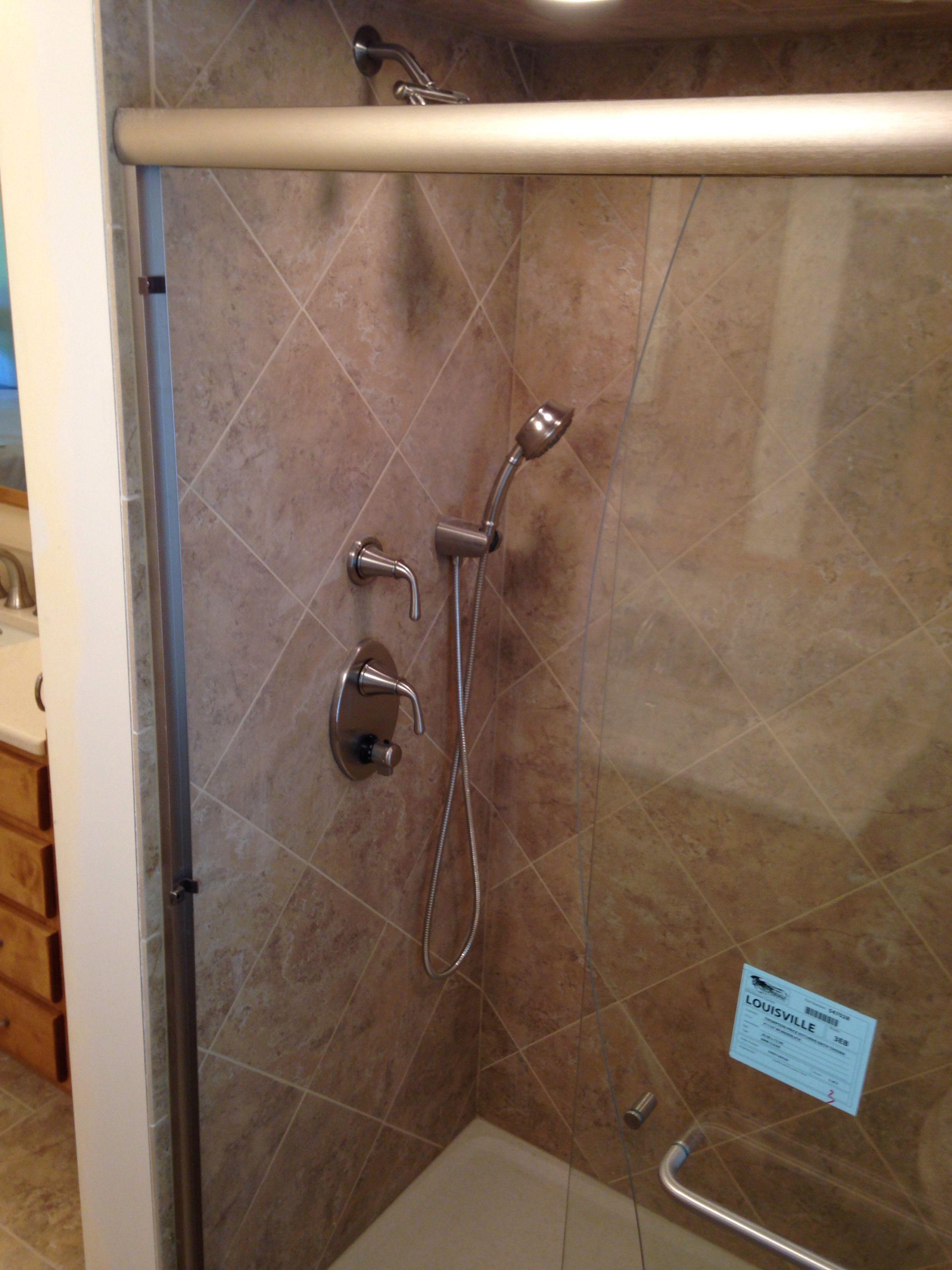 Diagonal shower lay.