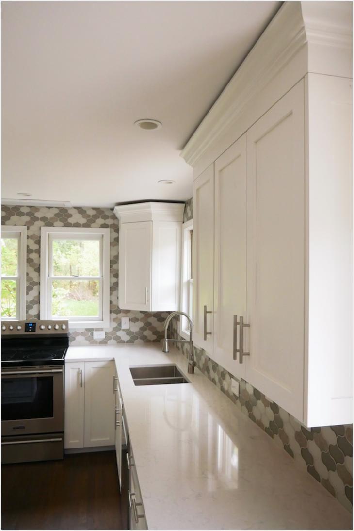 Molding On Kitchen Cabinets Ideas (Dengan gambar) | Hidup ...