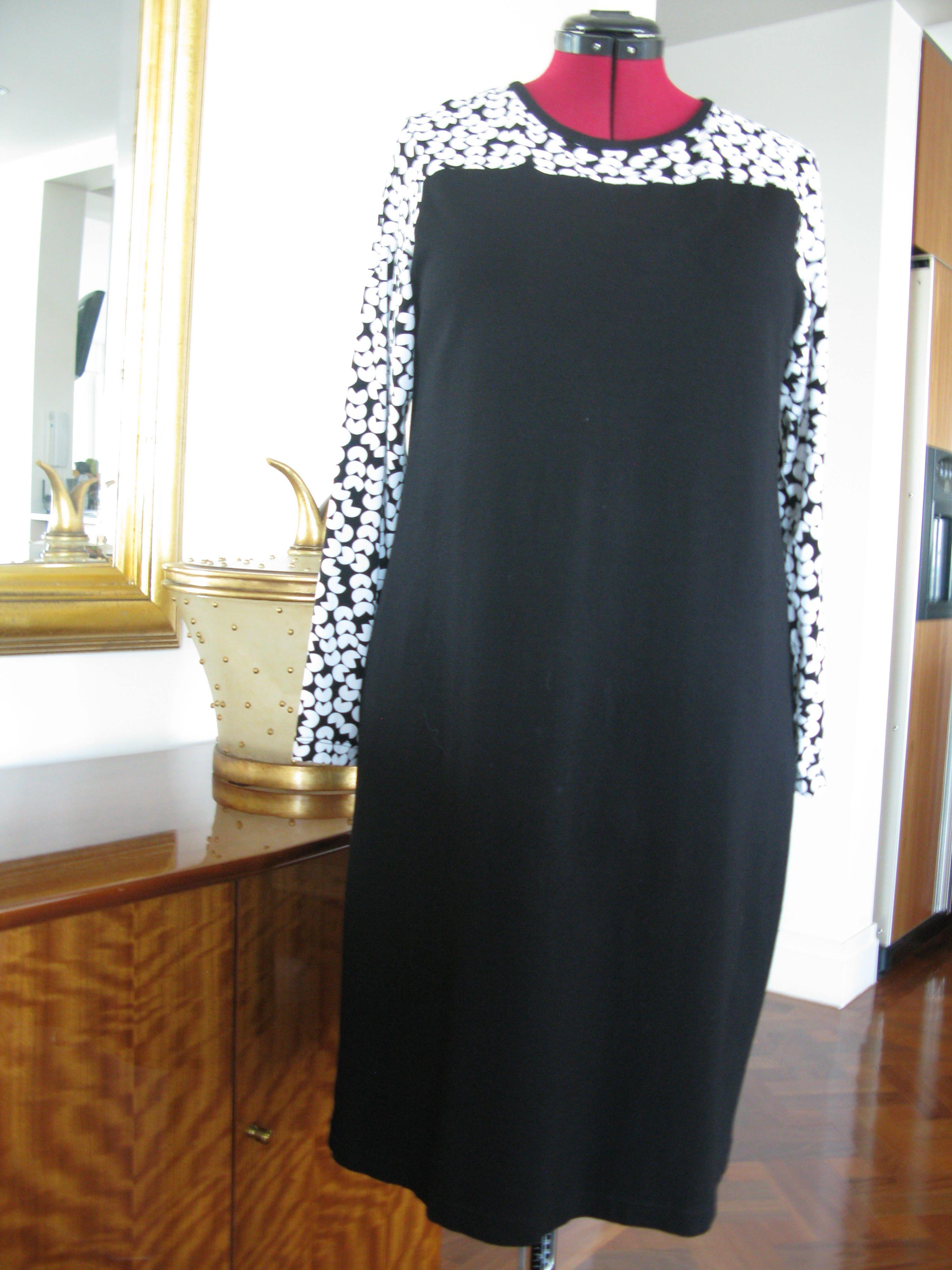 StleArc Laura dress in Tessuti knit fabrics