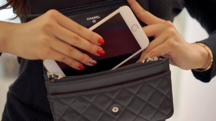 5fbc440a68a6 Photos of iPhone 6 Plus fitting Chanel WOC - PurseForum ...