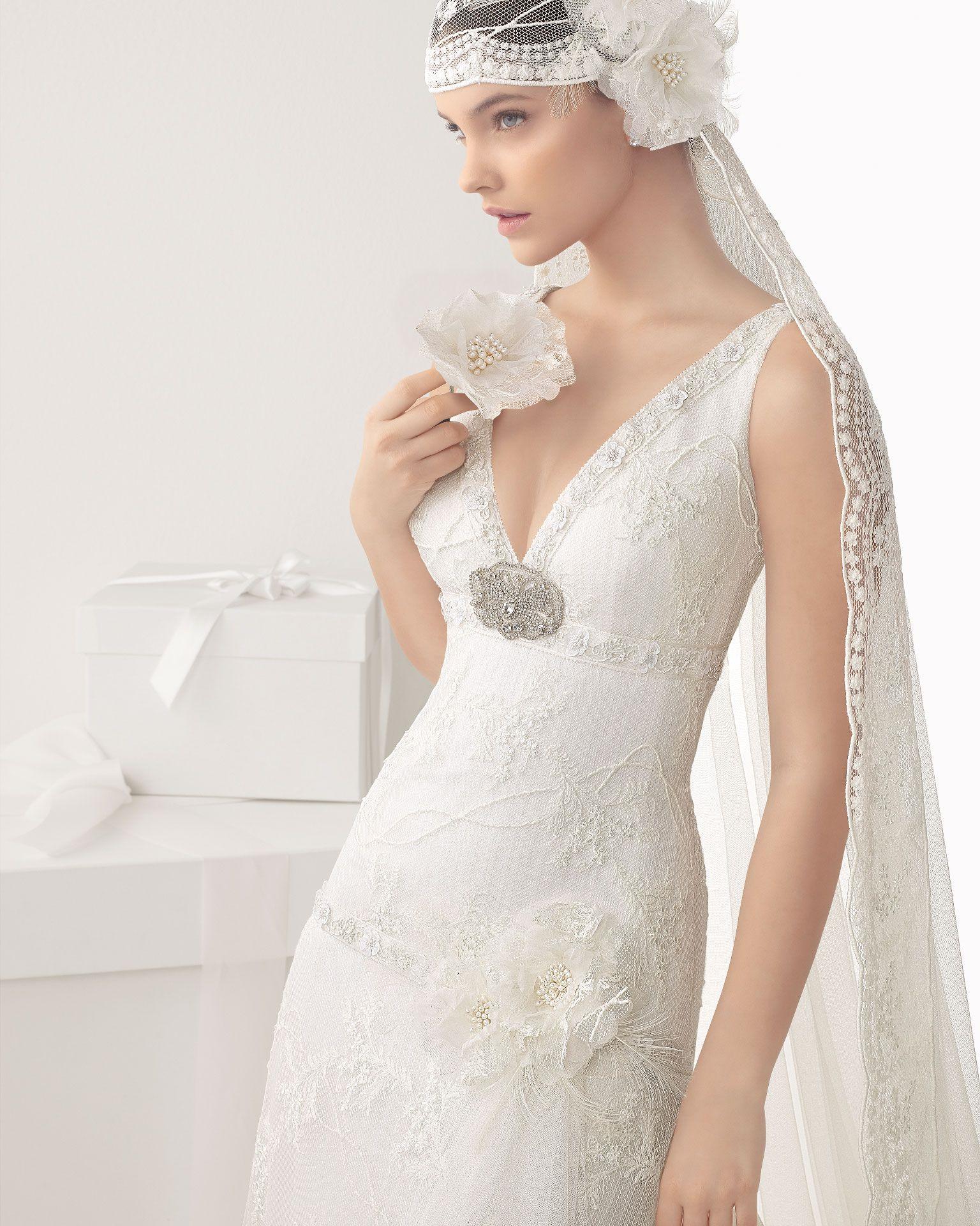 CALIMA - Vestido de tul bordado, en color marfilB14 Broche de ...