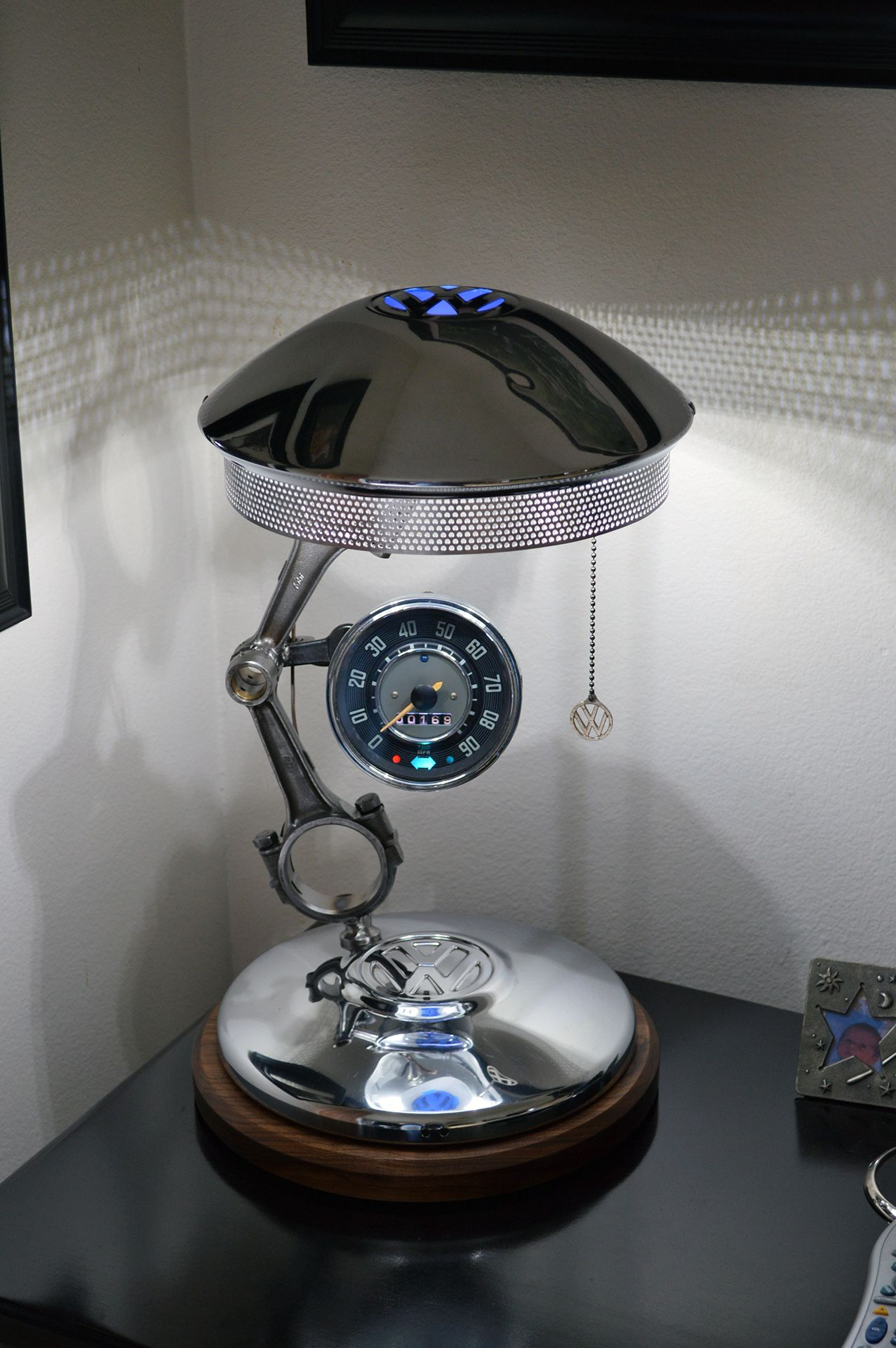 Faszinierend Möbel Aus Autoteilen Dekoration Von Luminária Partes De Carro