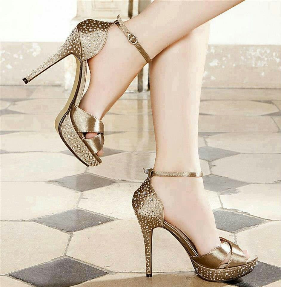❤❤HeelS & BaGs❤❤ image by Nimra Ahmed | Stylish sandals