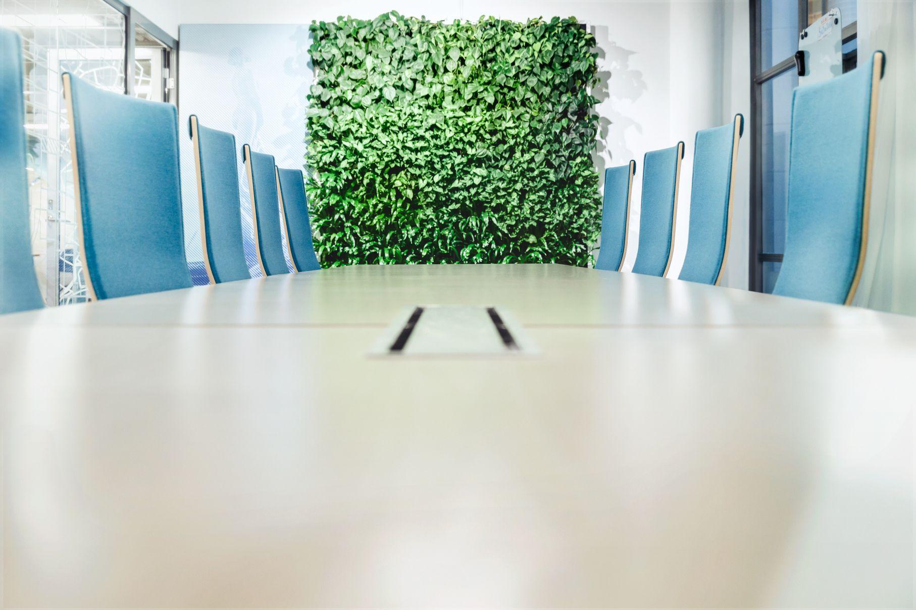 Naava Smart Green Wall At Svea Ekonomi Meeting Room Naava Smart  # Muebles Ekono Cali