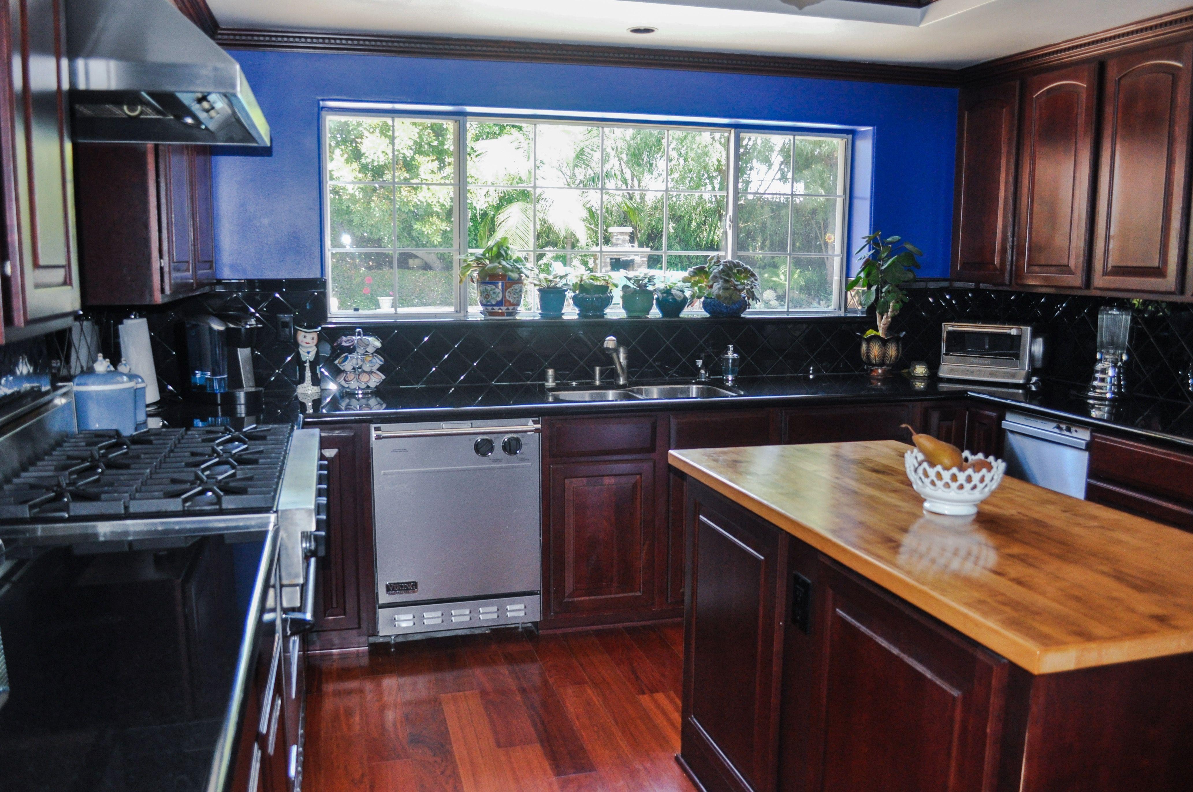 Kitchen Remodeling After Water Damage!!! Got Water Damage ...