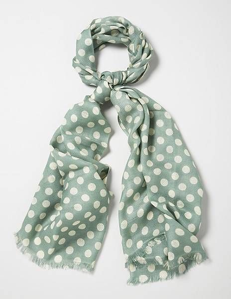 want this scarf!