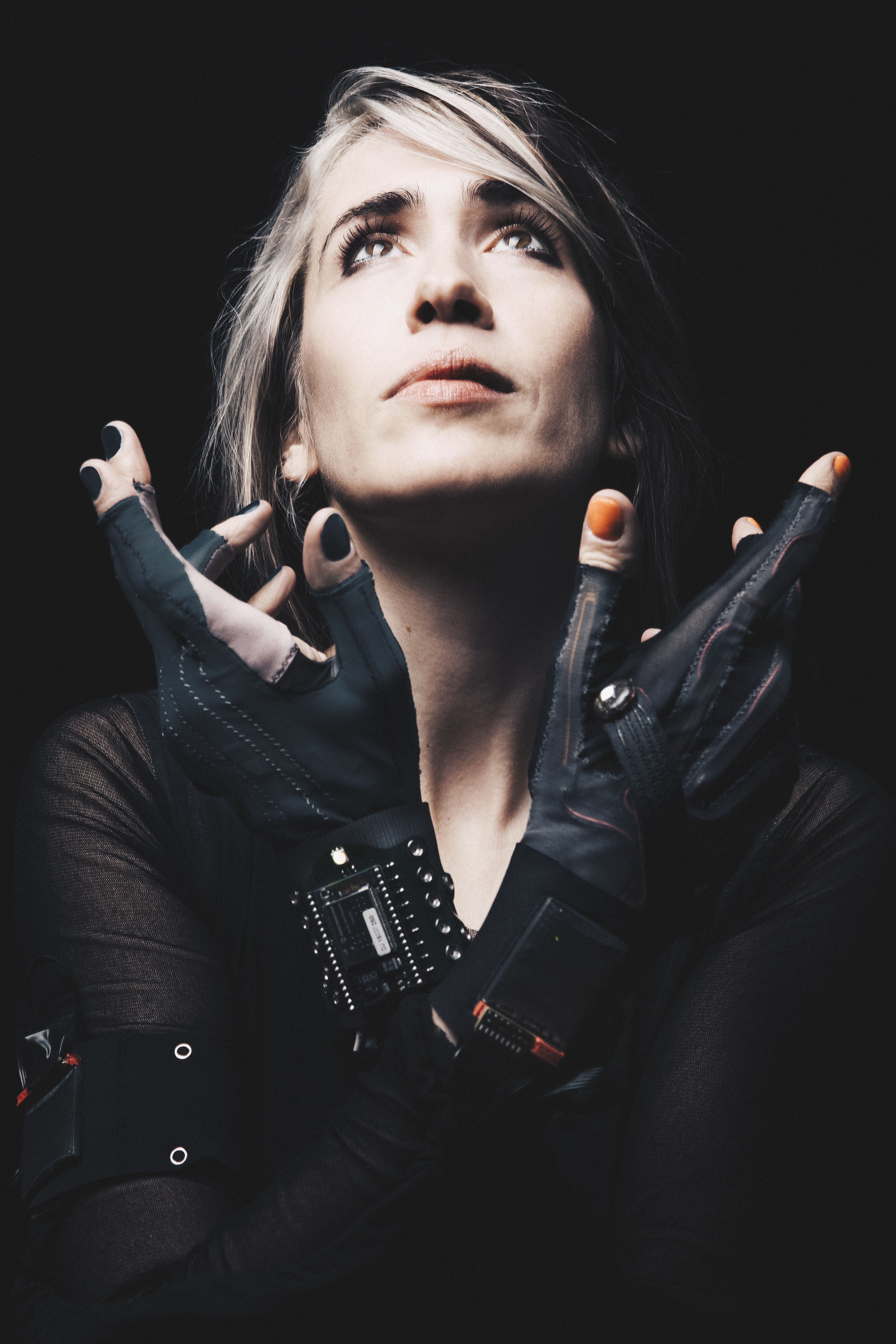 Imogen Heap On Her New App Making Music With Gloves Ariana