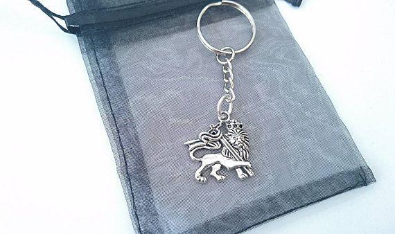 Check out this item in my Etsy shop https://www.etsy.com/uk/listing/514027770/handmade-lion-of-judah-keyring-rasta