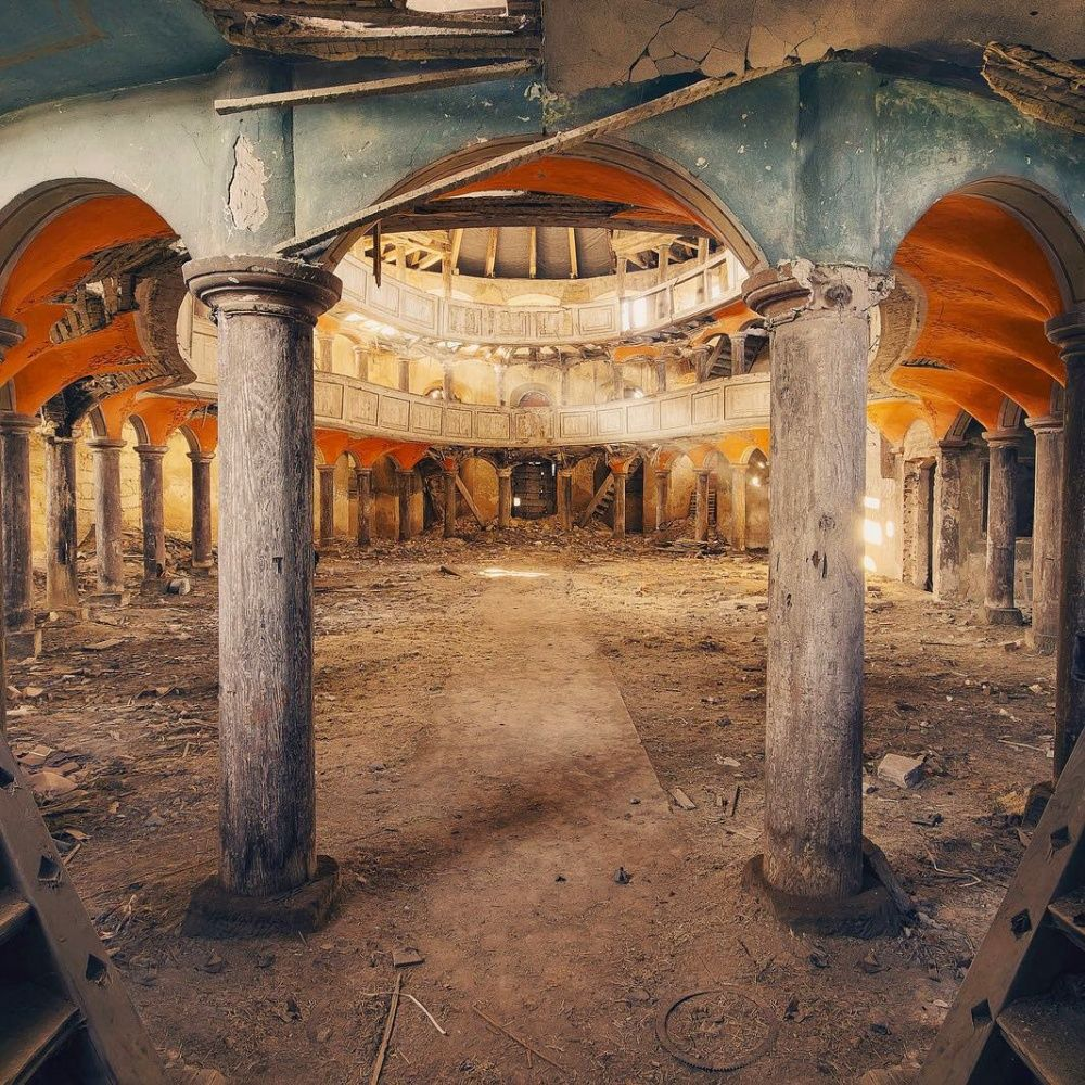 22 truly stunning shots of abandoned places
