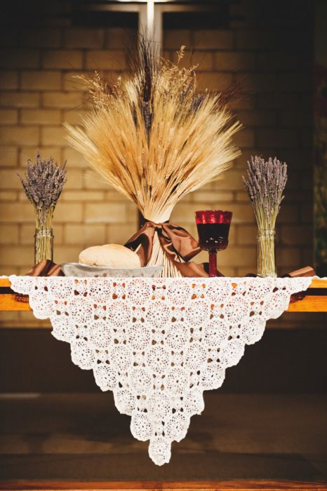 Collecting ideas communion table with wheat fall so for Altar decoration for first holy communion