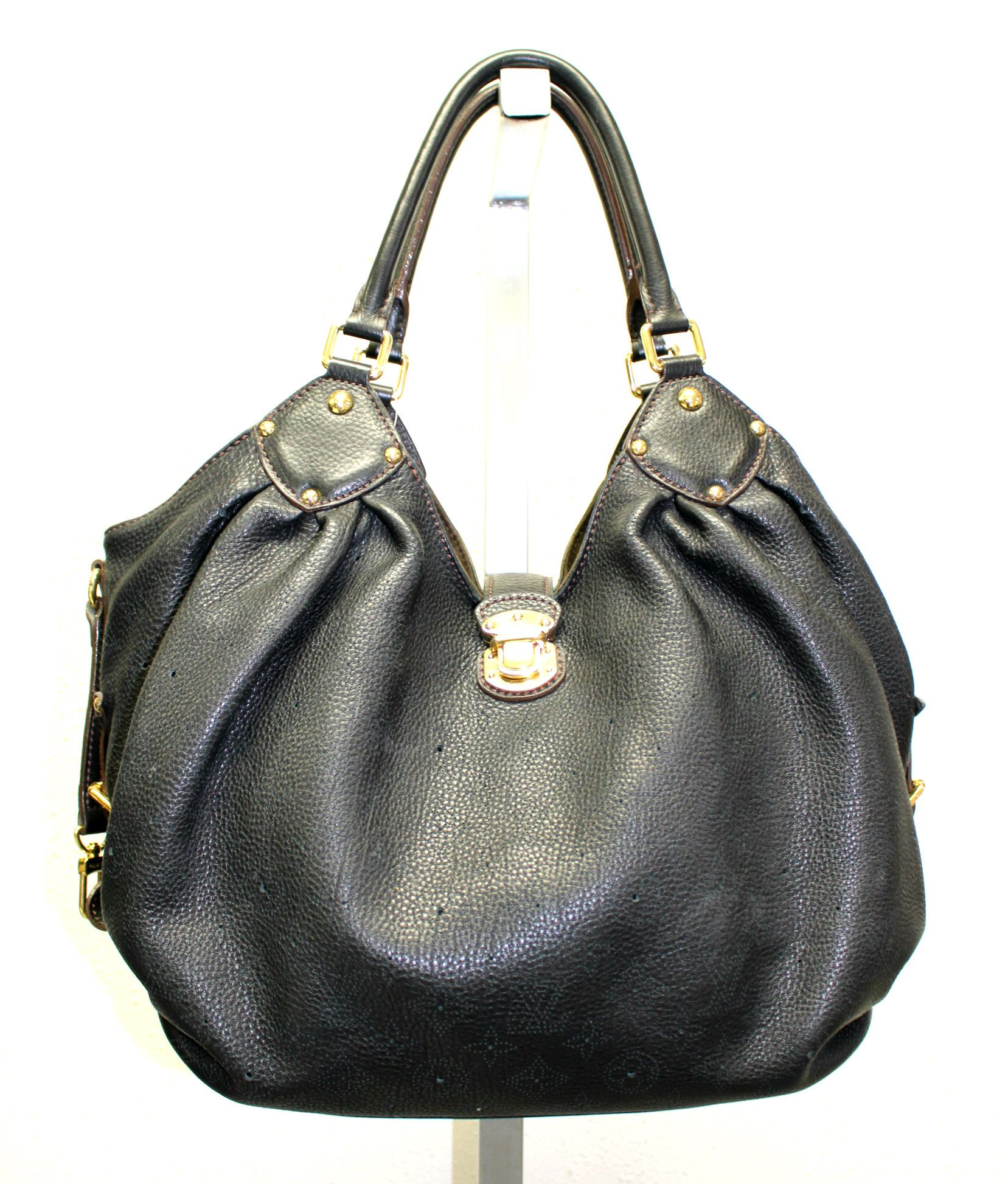 302c549db39c Up for sale.. a stunning authentic Louis Vuitton Mahina XL hobo bag   FlairTradeTO.