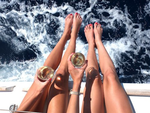 Friends always make for a good time! Yatch ride & champagne