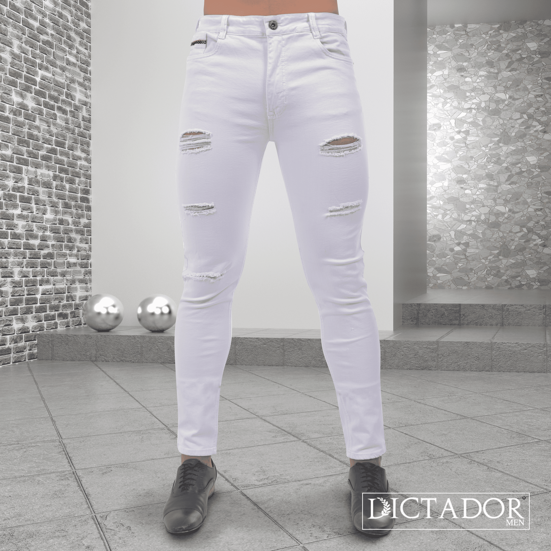 Todos Merecemos Un Jean Color Blanco Para Un Dia Como Hoy Que Tal Si Lo Combinas Con Detalles Tan Juveniles Jeans Para Hombre Vaqueros Hombre Moda Masculina