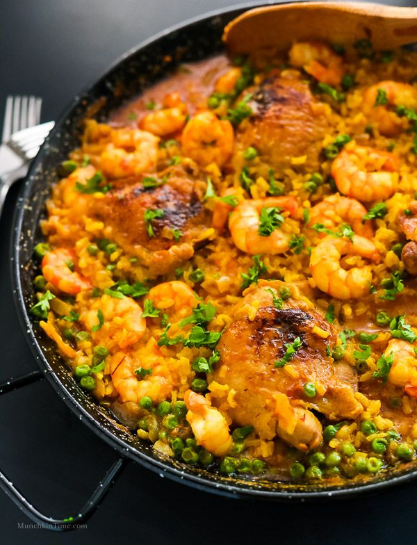 Chicken thighs and shrimp paella recipe fish pinterest paella chicken thighs and shrimp paella recipe forumfinder Images