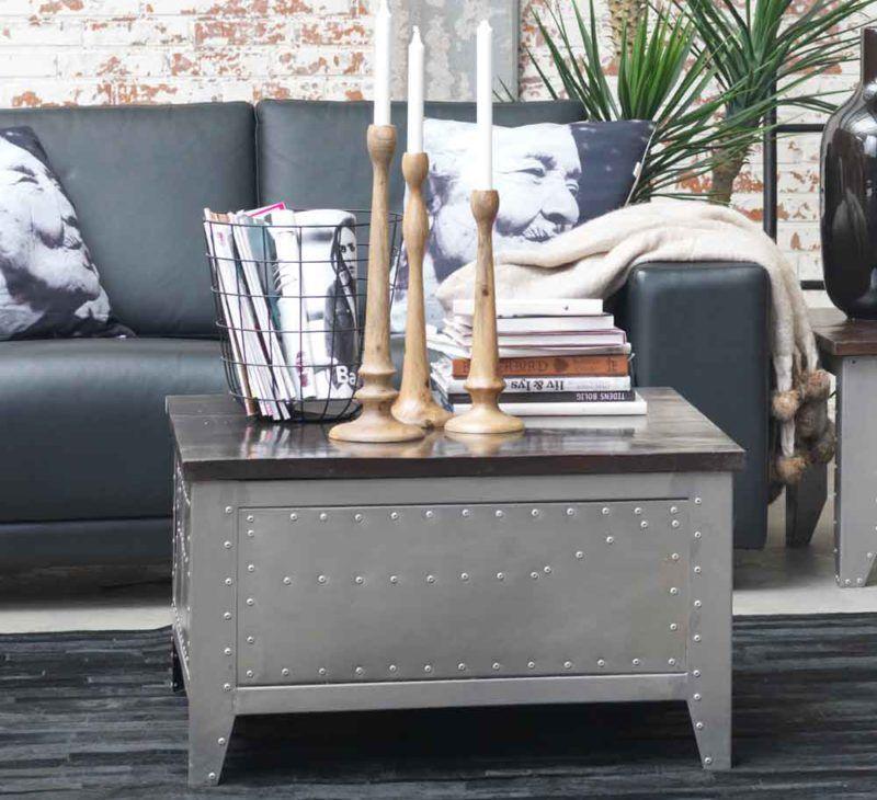 Wohnzimmer / Living Room: Couchtisch Truhe Detroit Canett