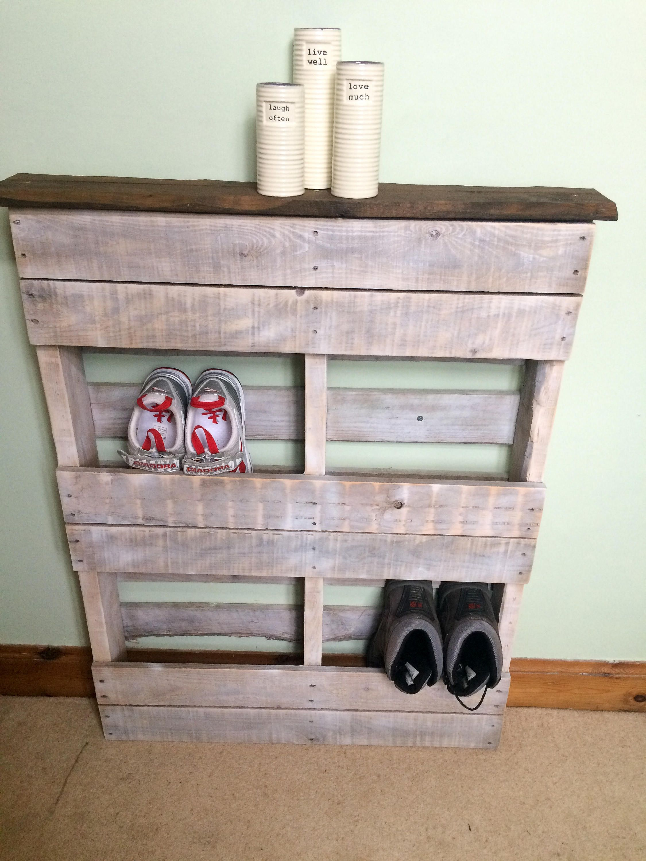 Wooden Pallet Shoe Rack  White Wash With Dark Stained