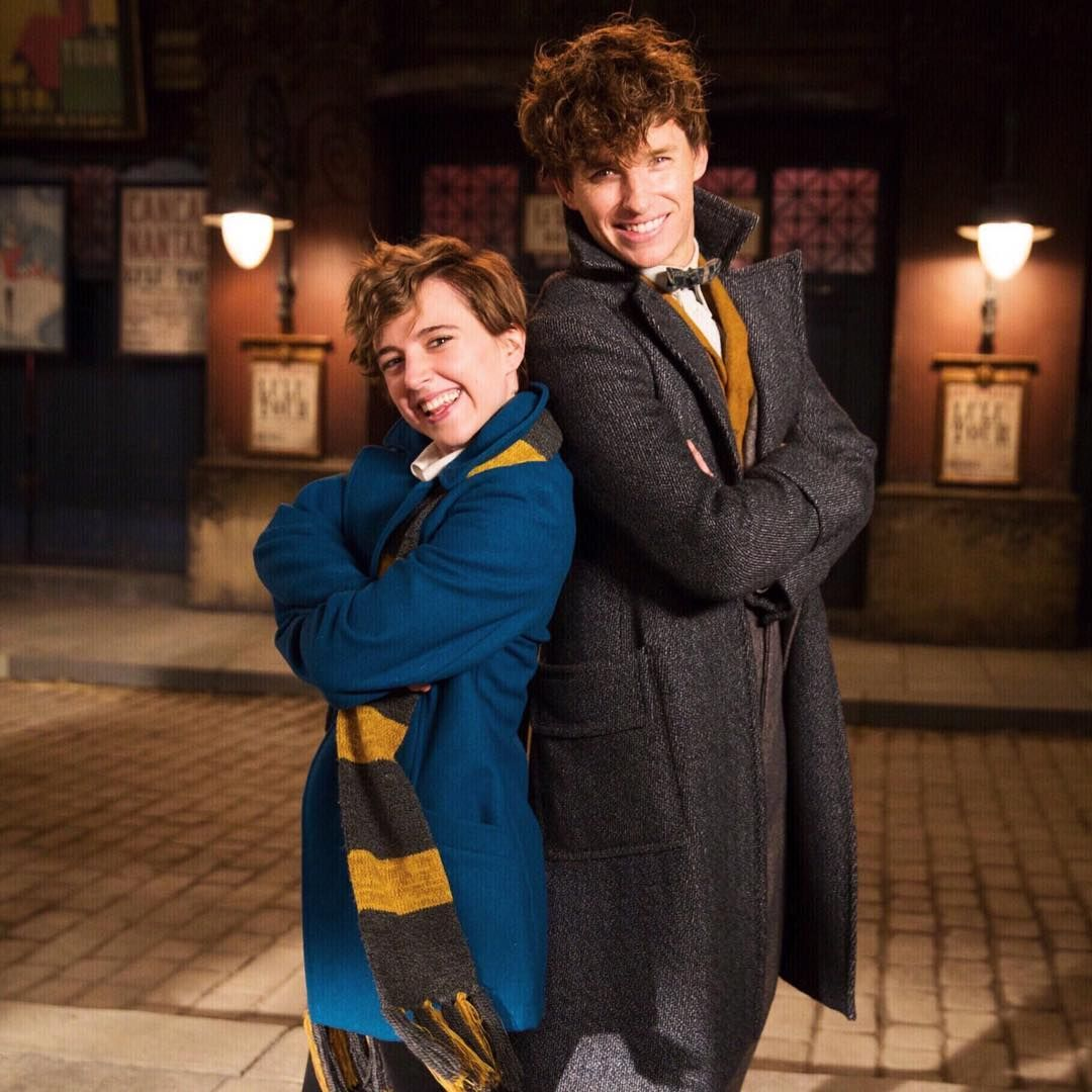 Tessanetting On Set With Eddie Redmayne From Last Year I M So Jealous Remember To Go Fantastic Beasts Cast Fantastic Beasts Eddie Redmayne