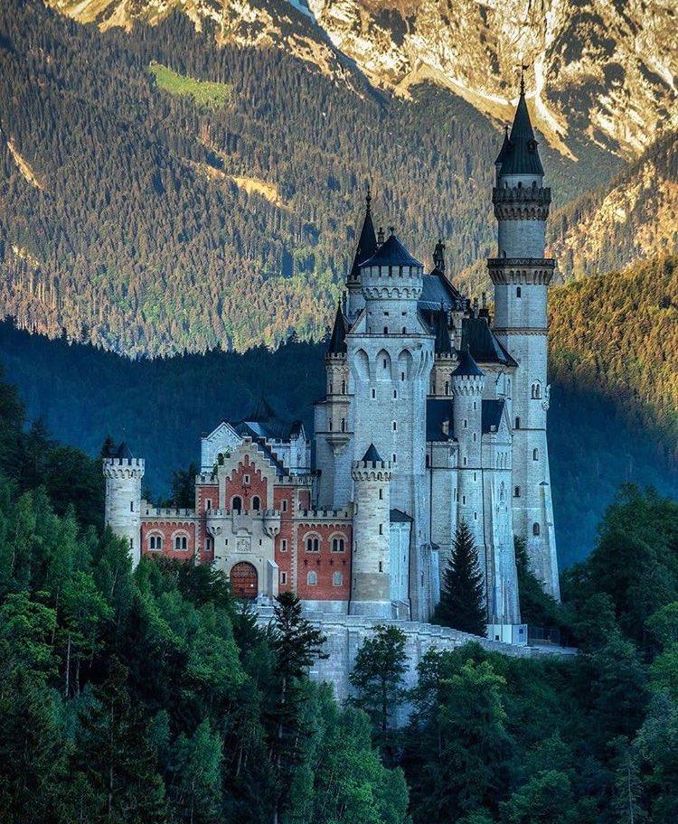 1 Paul Architect Artbewing Twitter In 2020 Famous Castles Beautiful Castles Neuschwanstein Castle