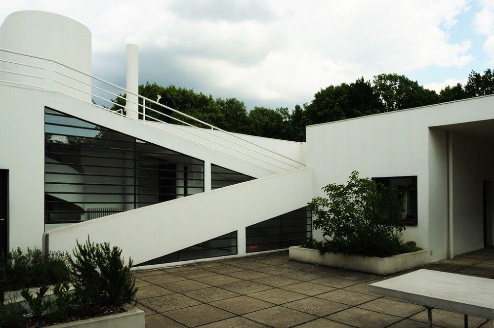 AD Classics: Villa Savoye / Le Corbusier - © Flavio Bragaia