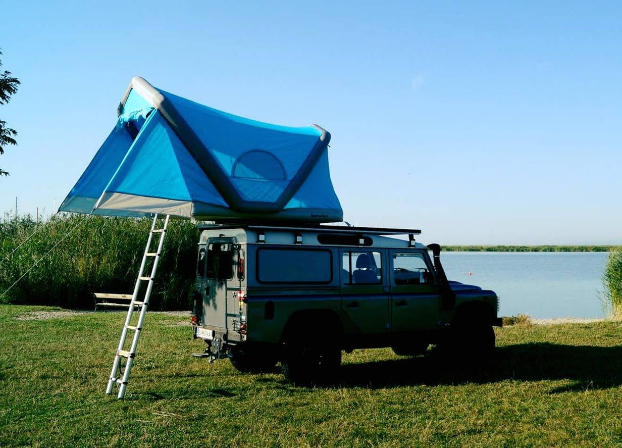 Inflatable Roof Top Tent Camps On Your Car Or In The Water Top