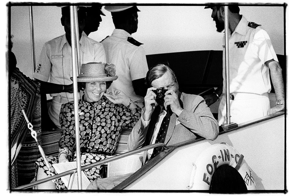 Queen Beatrix and Prince Claus during a cruise on a state visit to India (1986). Photo: Vincent Mentzel. http://artdaily.com/news/86575/Exhibition-features-some-of-the-finest-pictures-of-the-Dutch-Royal-Family-made-by-Vincent-Mentzel#.VxN3VNSLTGg