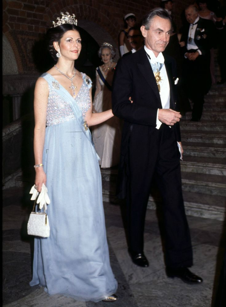 Queen Silvia At The Nobel Prize Festivities In 1979 Dress Made By Elizabeth Wondrake