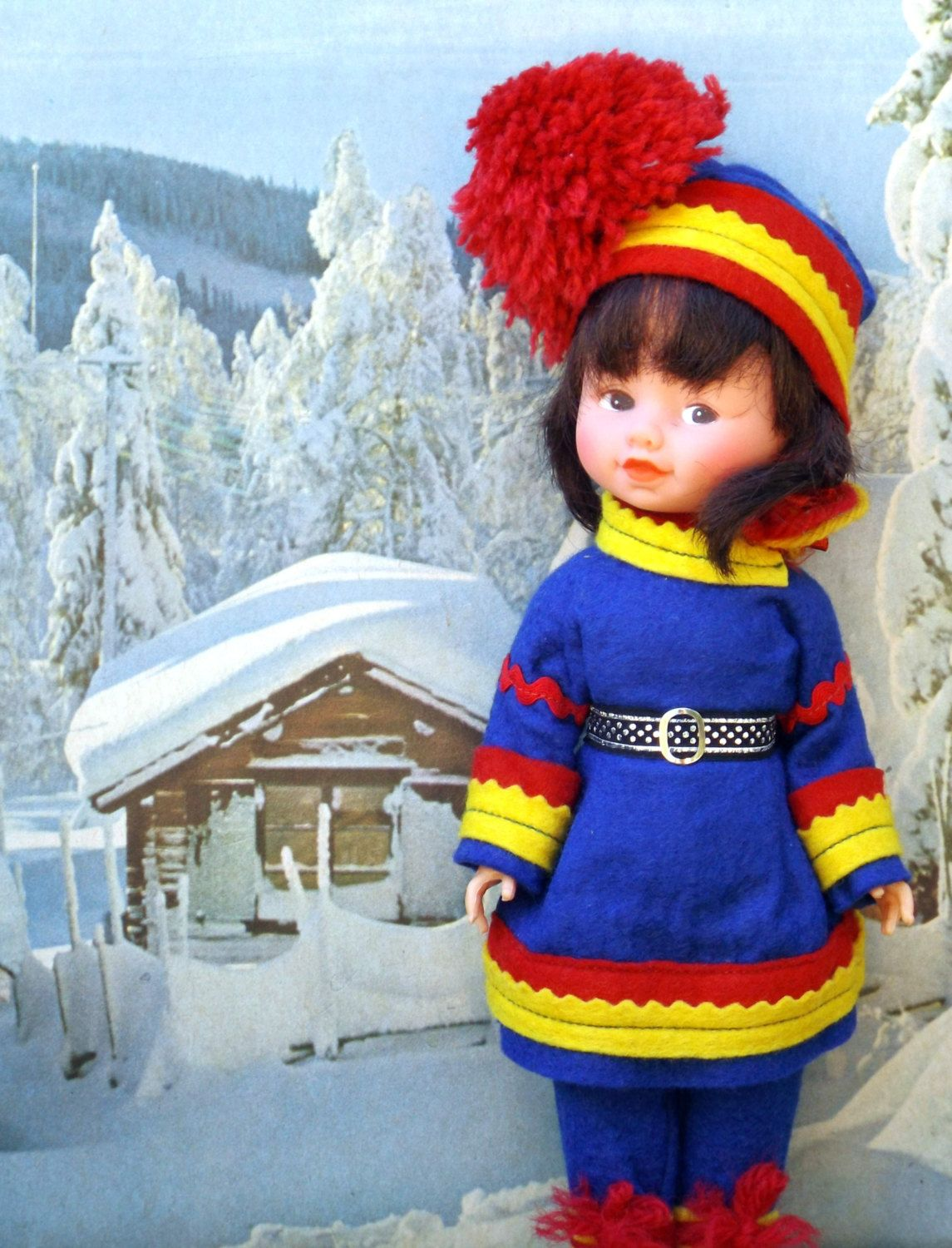 I have the ambition that orders, until 22 December, will be posted within ONE business day of purchase! (There is though NO guarantee that an order will be delivered in time for Christmas.)  Welcome to the Little Christmas Store ♥ ♥ ♥ ♥ ♥ ♥ ♥ ♥ ♥ ♥ Vintage Sami doll in traditional costume. Around 1970s, Scandinavian. Sami people have lived in an area now known as Norway, Sweden and Finland for at least 5,000 years. In very good vintage condition.  Measures 11.5 (29 cm) tall Weight 0.24 lbs…