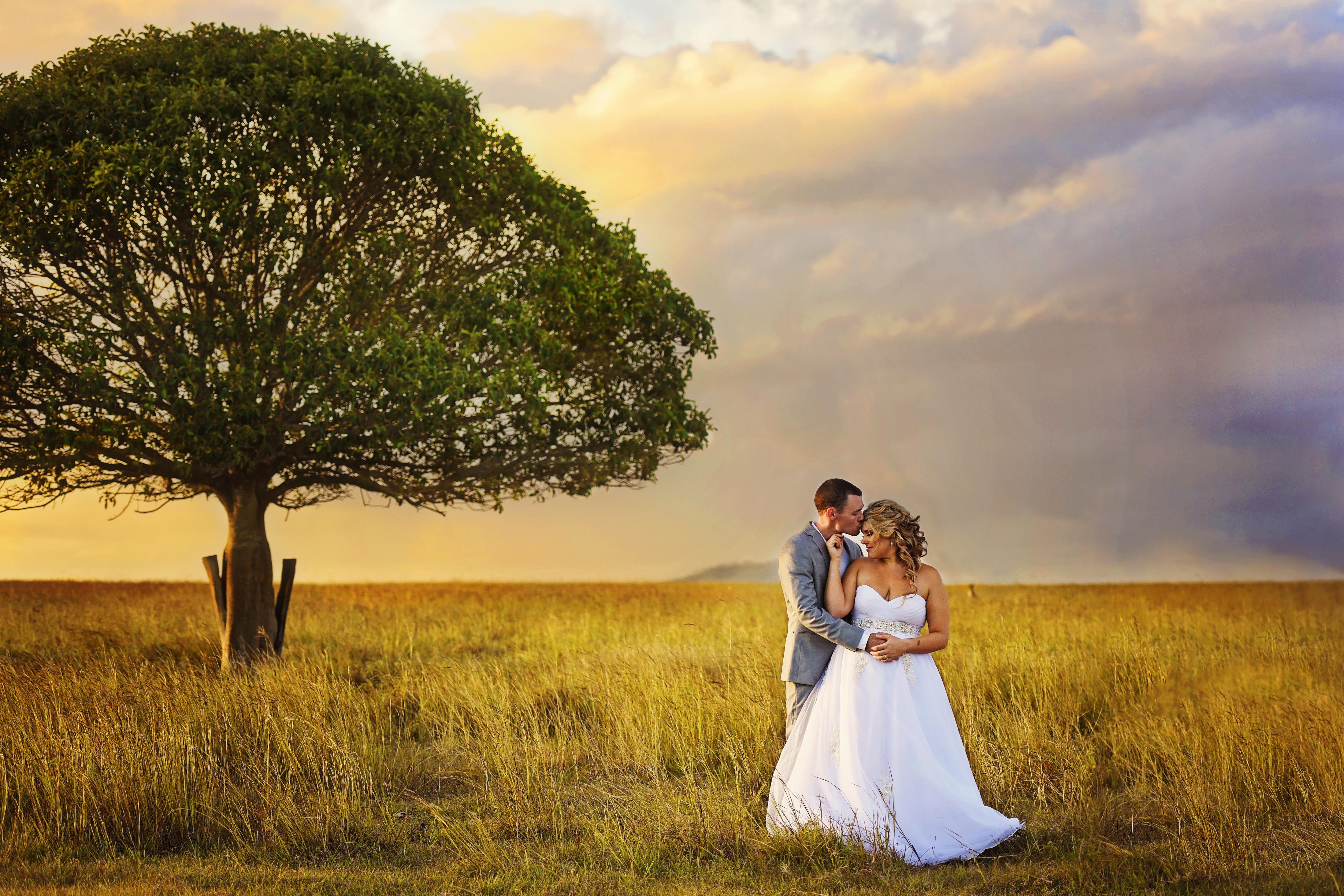 Wedding Photography. Beautiful Memories Photography. Rockhampton, Central Queensland Photographer. Photoshoot inspiration. Wedding photo ideas. Wedding photography pose