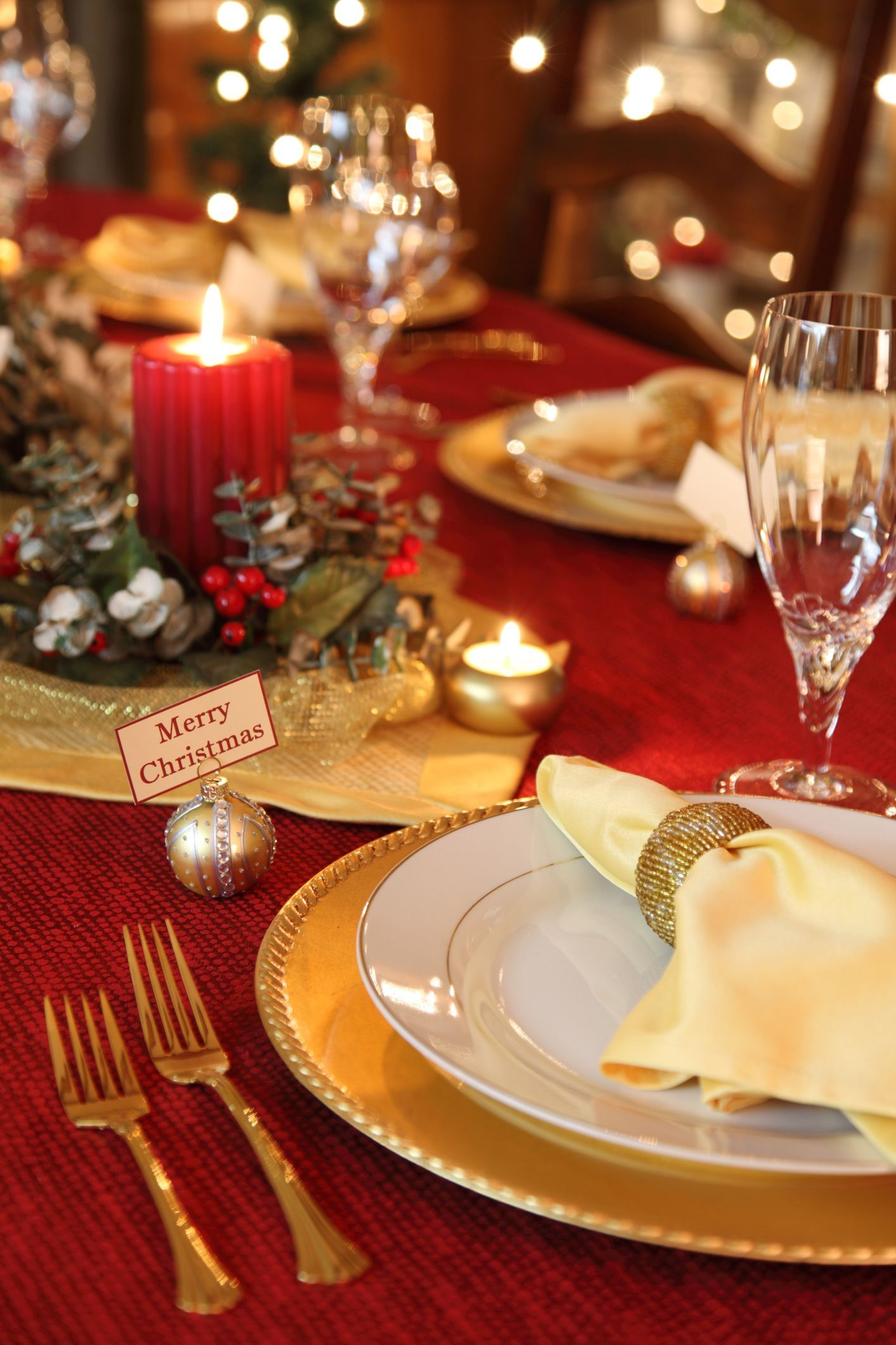 38 Elegant Christmas Table Setting Ideas Christmas Table Settings Elegant Christmas Dinner Table Christmas Table