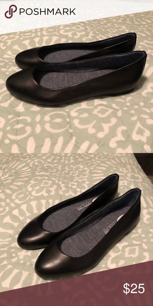 53bc26d7da99 Shoes Dr Scholl s memory foam cool fit flats in black. Never worn in  original box