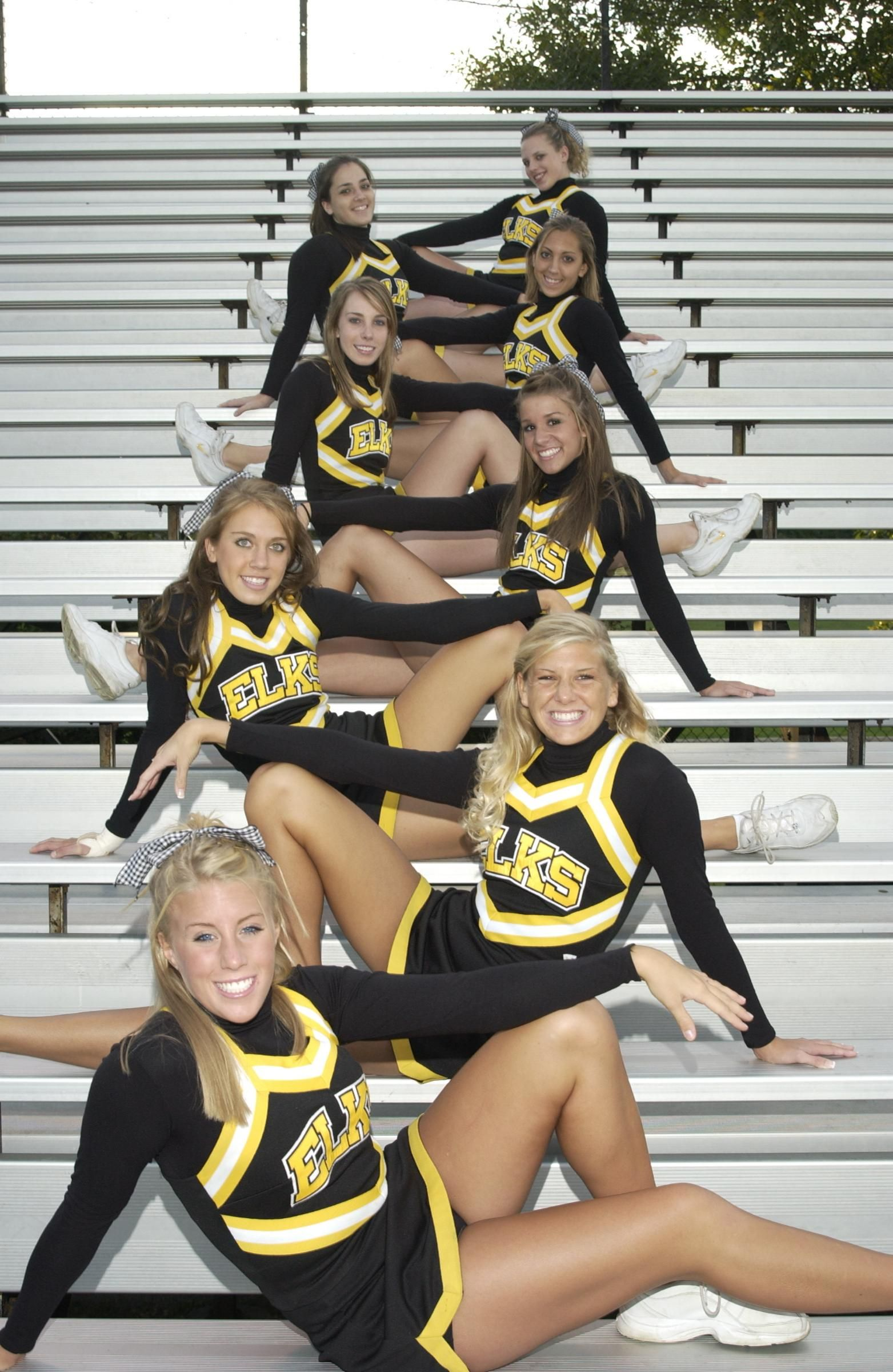 sexy high shcool cheerleaders