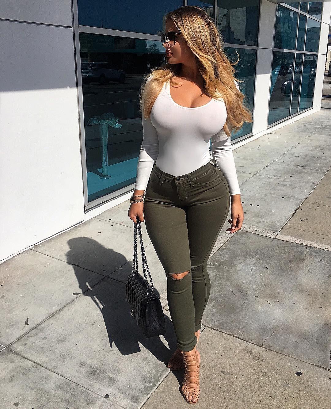 Amateur wife bouncing tits
