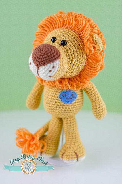 Laurence the Lion Free Amigurumi Pattern | Jess Huff | 640x424