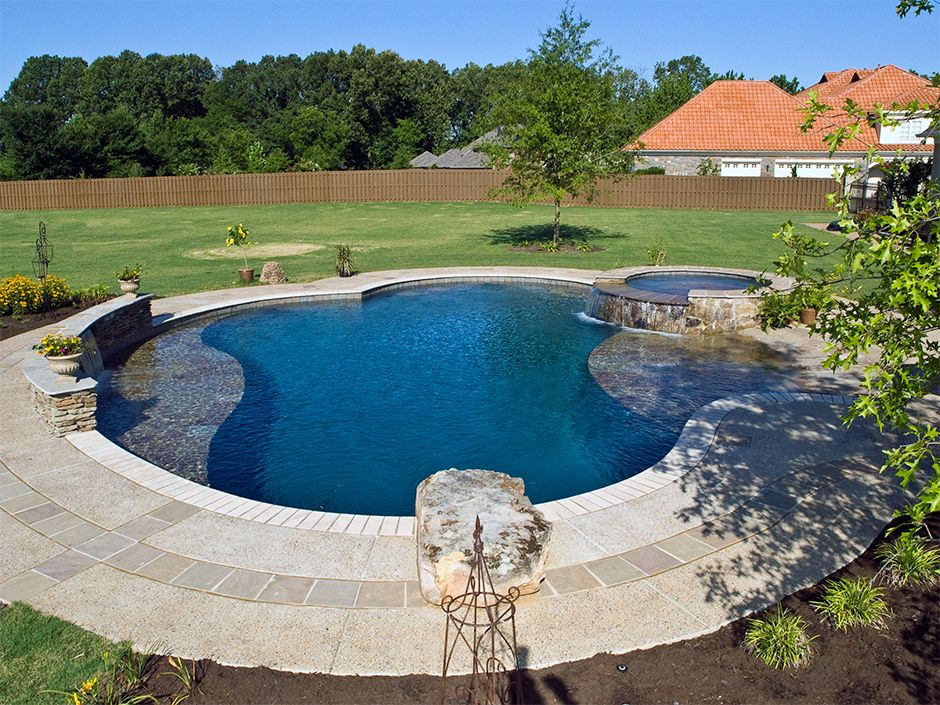 Memphis Pool Freeform Swimming Pool With Beach Entry Spa Getwell Tn Memphis Tn Swimming Pool Features With Images Beach Entry Pool Backyard Pool Pool Companies
