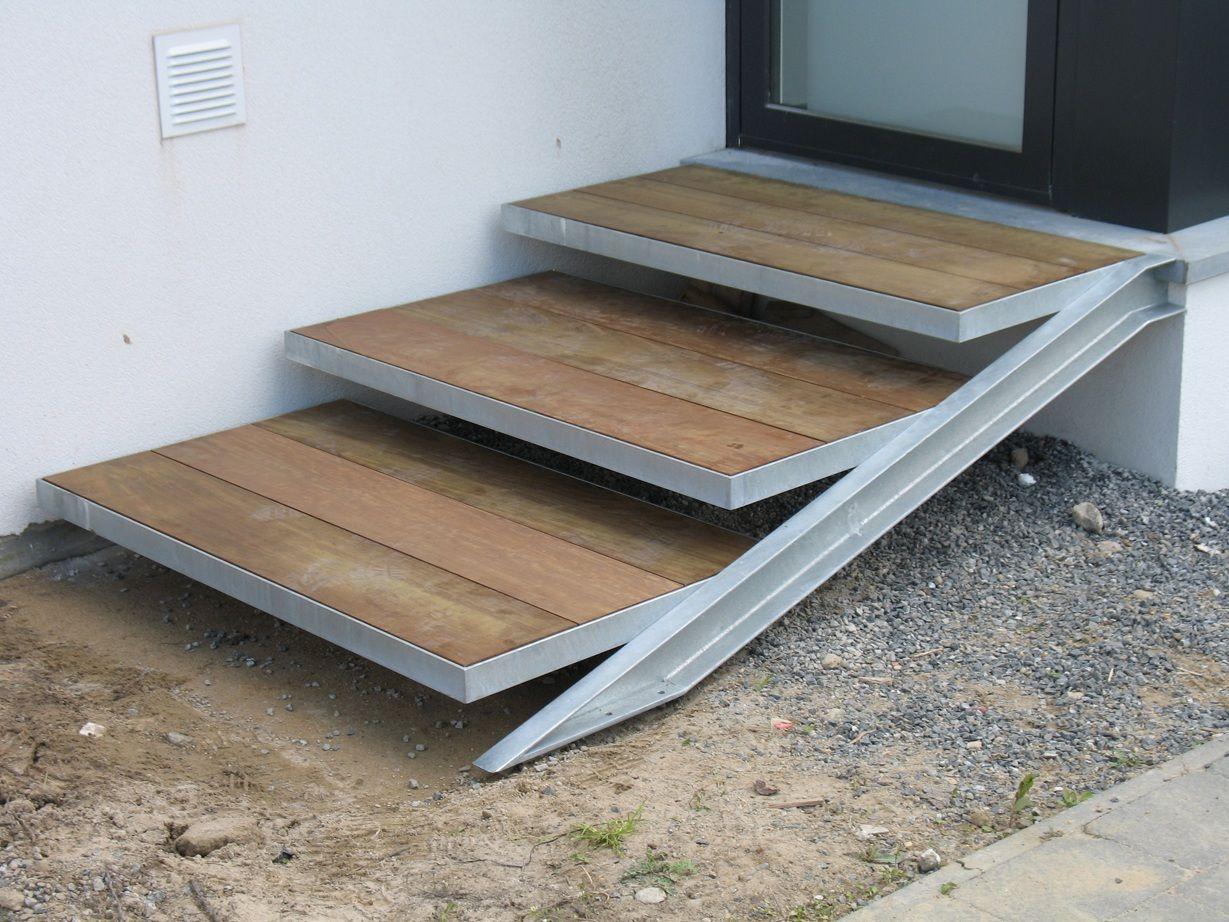 Buitentrap verzinkt staal hout garden for Trap buiten hout
