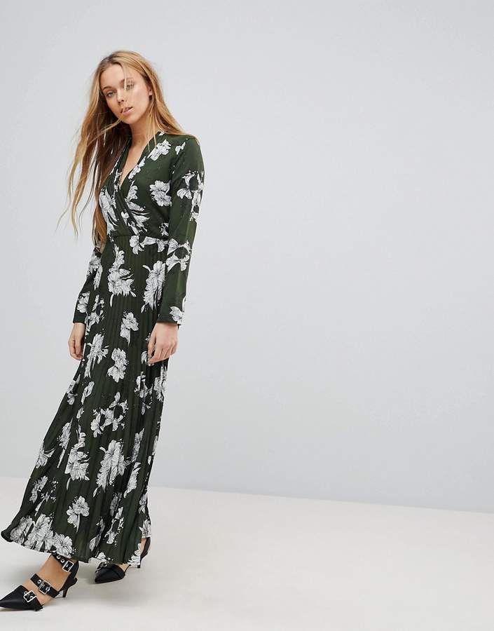 a881b57d2 Liquorish Floral Print Maxi Dress With Pleated Skirt ...